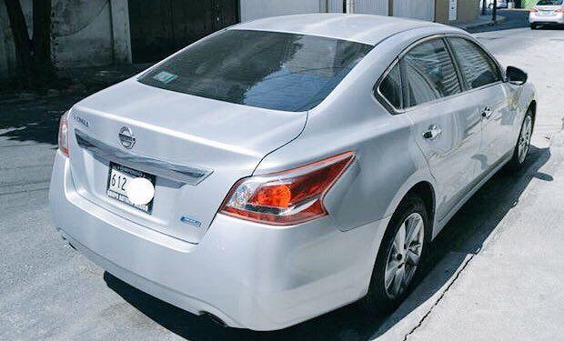 Se vende Altima 2013 Advance   Nissan Altima Advance CVT 2013 con asientos de piel y de posiciones (conductor), quemacocos. Cuenta con:  - Con cámara de reversa - 45,000 kilómetros - Rines de 17 pulgadas  - Todo eléctrico - Servicios de agencia - Tenencias pagadas