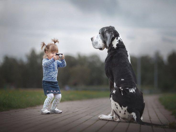 Bitte recht freundlich! Alexandra und ihre Harlekin-Dogge Zarmina. Es sei...