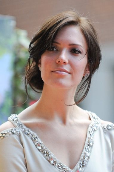 Mandy Moores romantic, updo hairstyle http://pinterest.com/NiceHairstyles/hairstyles/
