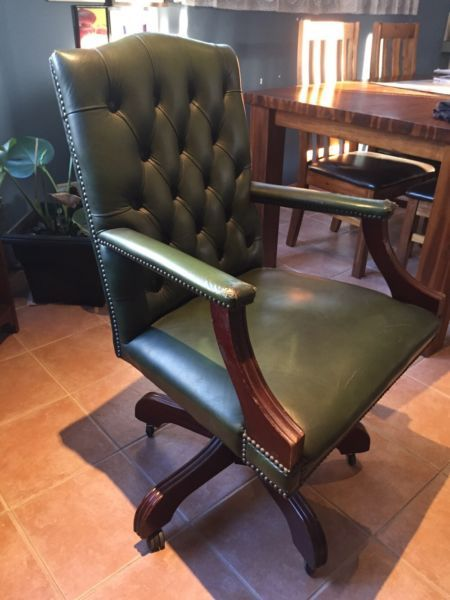 chesterfield chair on pinterest chesterfield leather chesterfield
