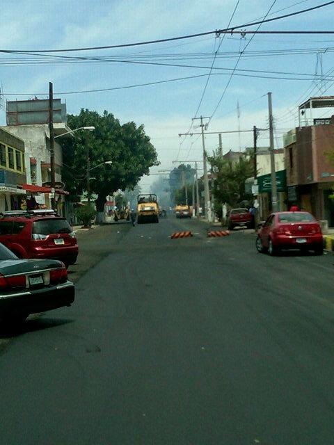 Repavimentacion en Industria y la 50  10/05/2012