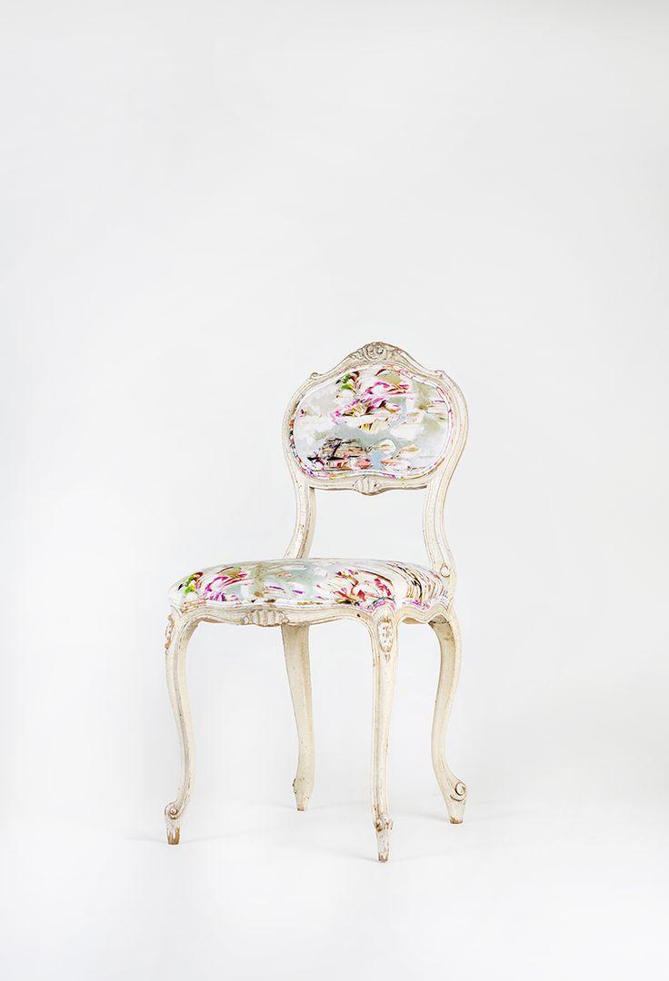 #tuoli #verhoilu #verhoomo #kankaat #verhoilukangas #romo #jessicazoop #rokokoo