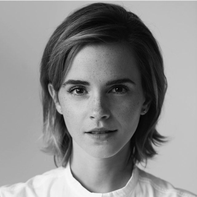 Emma Watson 2016 in black white, shes so beautiful . Hermione Granger - Harry Potter - Short Hair - Beauty