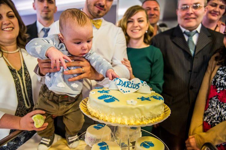 Cake time!  #dastudio #dastudioweddings #baptism #clujnapoca #light #moment #emotion #photographer #fotograf