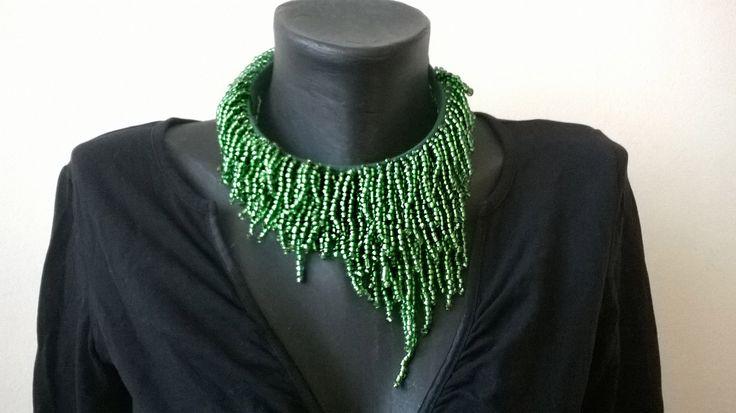 Colier verde Dior (120 LEI la aidreamate.breslo.ro)