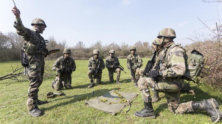 Les sous-officier, former et être formé : découvrez le métier de sous-officier. Cliquez sur la photo pour en savoir plus.