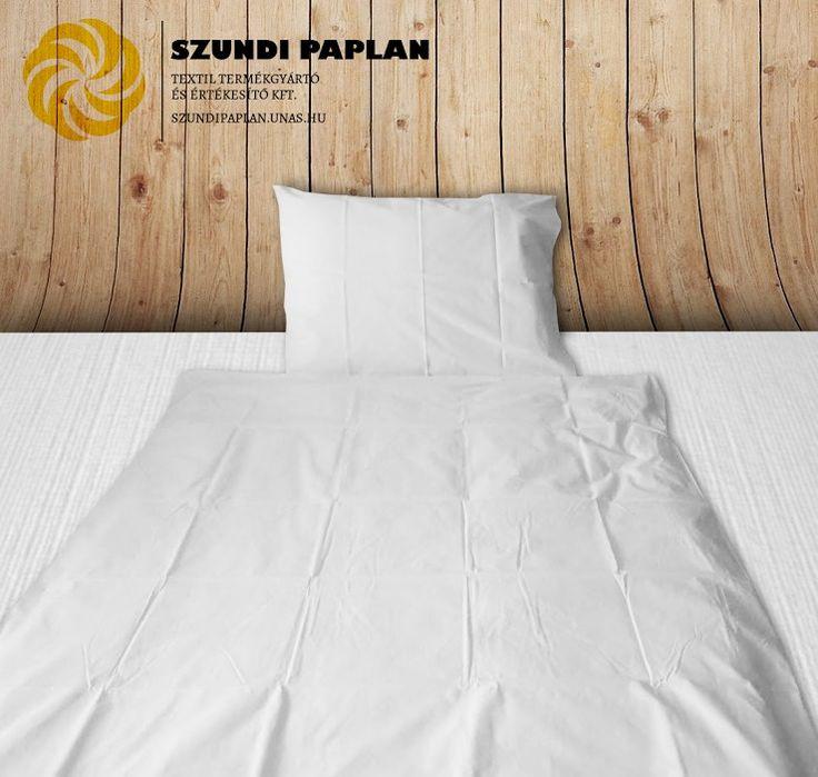 Szállás textil: 2 részes bujtatós/gombolós ágyneműhuzat garnitúra, pamut, 140x200 cm, Fehér vászon, Gombolós szett tartalma: 1 db paplanhuzat:140×200 cm, Fehér vászon, 1 db párnahuzat:  50× 70 cm, Fehér vászon, Bújtatós szett tartalma: 1 db paplanhuzat:140×200 ×30 cm, Fehér vászon, 1 db párnahuzat:  50× 70 ×20 cm, Fehér vászon, Anyag: pamut Záródás: gombos vagy bújtatós, válasszon a legördülő menü segítségével! Mosás: 60-90C° Vasalás: igen Rendelési mennyiség minimum: 10 db    ...