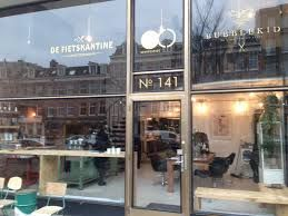 Fietskantine -  a new way of going to the biker's shop, or hairdresser or just for a coffee.