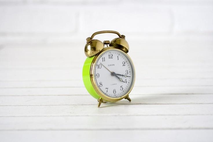Vintage + Neon = Gold!: Vintage German, Neon Green, Beautiful Interiors, Interiors Houses, Limes Green, Clocks Limes, Green And Gold, German Alarm, Vintage Alarm Clocks