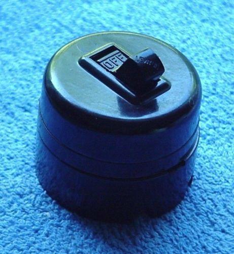 Round Light Switch: Lot-8-NEW-OLD-STOCK-Leviton-Round-Surface-,Lighting