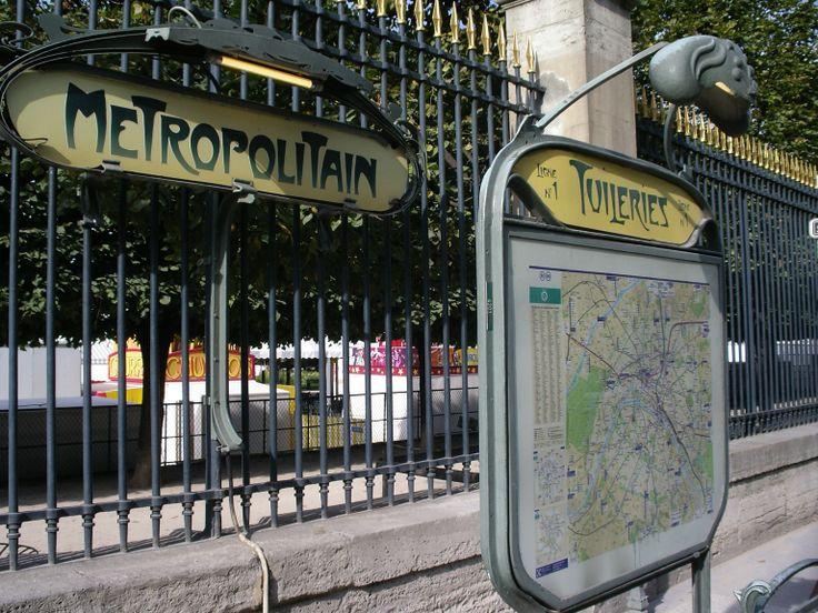 Paris, Métropolitain, Entrée de la station Tuileries 2, arch. Hector Guimard