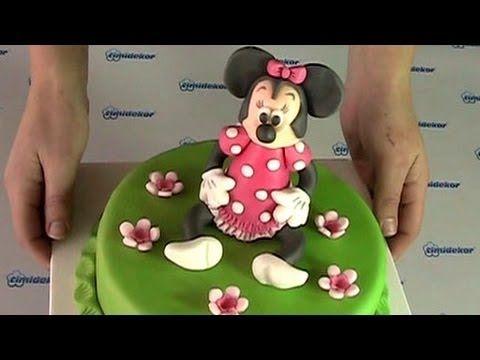Minnie Mouse cake (Dort s figurkou Minnie)