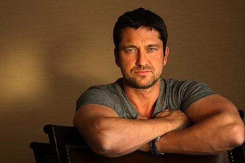 Did you know Gerard Butler suffers from #hearingloss? The Scottish star of 300 and many other film and stage productions had surgery as a child that left his right ear physically deformed. He suffers from lifelong tinnitus and hearing loss in that ear, which he says is responsible for his crooked smile. His condition did not prevent him from starring in the film Phantom of the Opera and belting out the musical's challenging anthems, though!