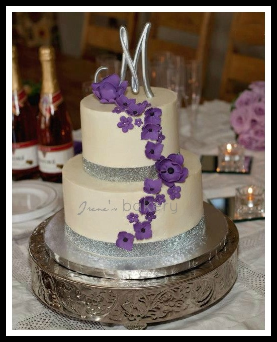 Purple and silver wedding cake: Squares Cakes, Cakes Ideas, Purple Ribbons, Cascading Flowers, Cakes Toppers, Cakes Cakes, Silver Wedding Cakes, Purple Cakes, Silver Weddings