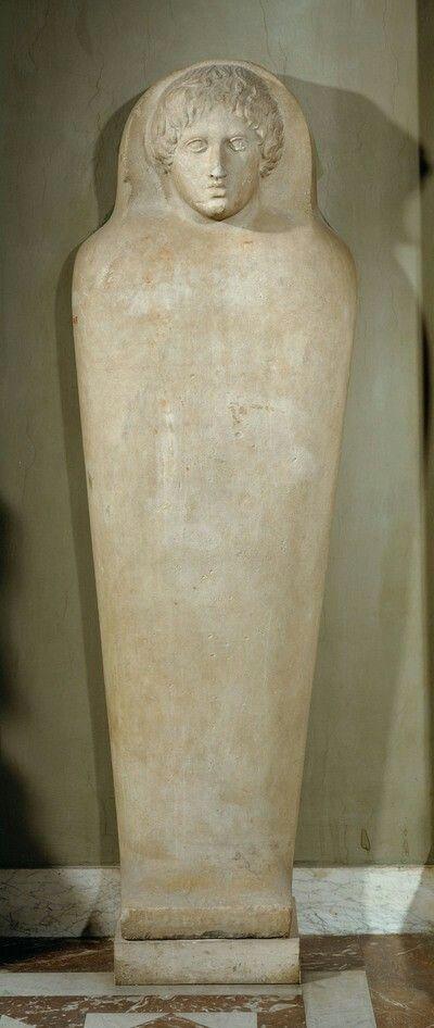 DECKEL EINES ANTHROPOIDEN SARKOPHAGES Phönizisch 3. Viertel 5. Jh. v. Chr.