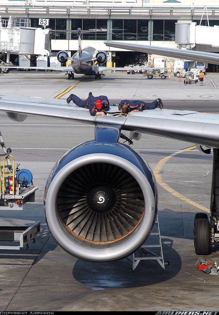 Aviation Maintenance | ✈ Follow civil aviation on AerialTimes. Visit our boards on pinterest.com/aerialtimes or like us on www.facebook.com/aerialtimes #aviationmechanic