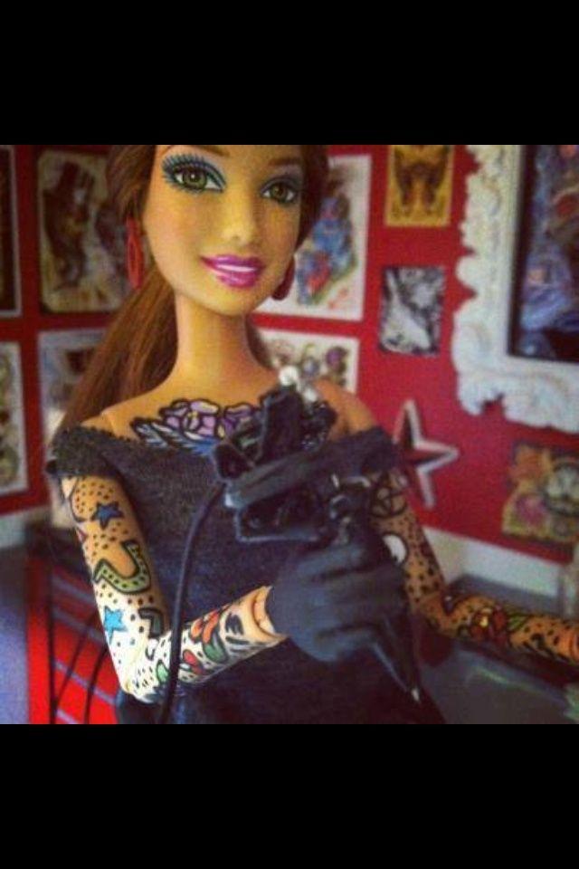 Barbie tatuadora