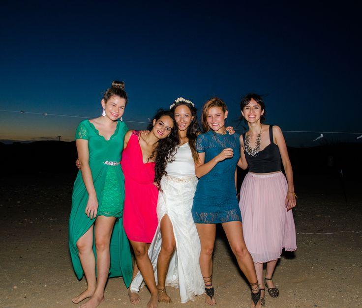 Por que los amigos están para las que sea. Angelica el día de su matrimonio. Fotos de cherrymoon.co