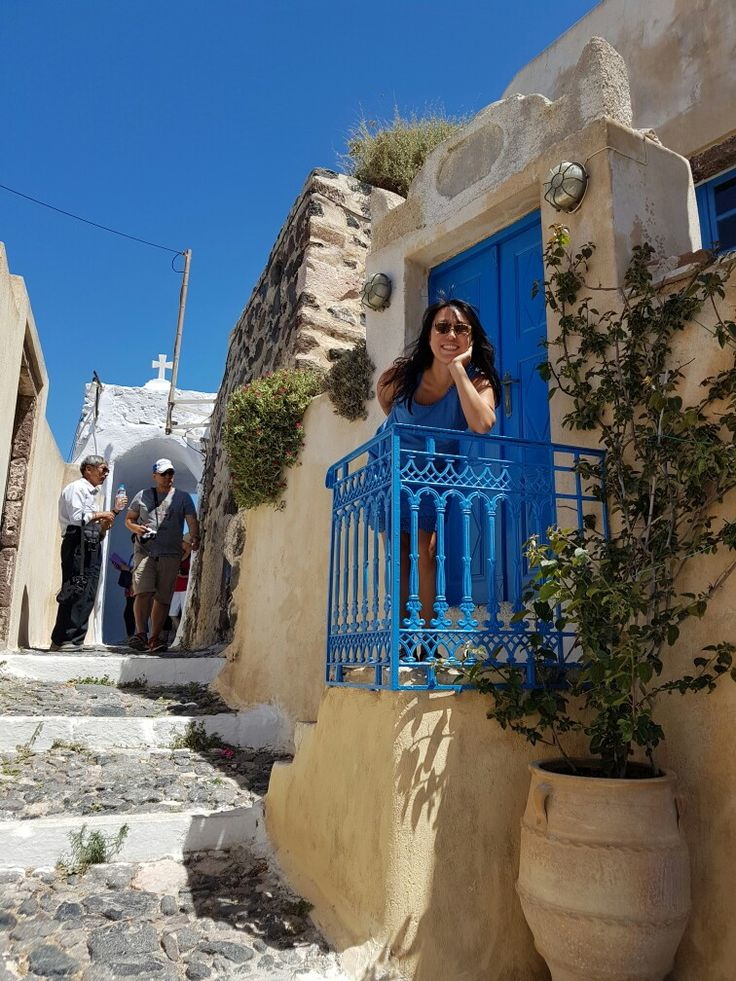 Santorini private tours. The best way to see the island http://santorinibesttours.com/tours/santorini-private-tours #santorini #santorinitours #santoriniprivatetours