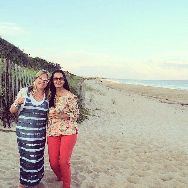 Chantal Levesque en compagnie de la Desing East Hampton