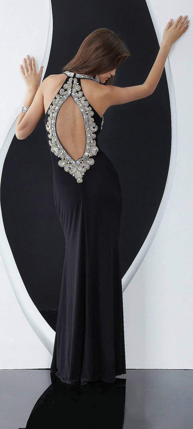 Как носить платья с открытой спиной - секреты и подсказки_赵晓萍 - 美丽鸟