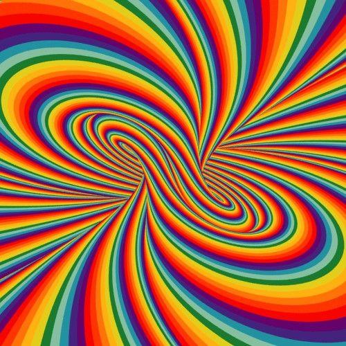 J'avais déjà évoqué les animations hypnotiques en gif de David «Davidope» Szakaly ici il y a quelques années mais je ne résiste pas à en reparler de nouveau vu l'évolution de ses oeuvres qui deviennent de plus en plus complexes, étranges et originales, sans parler de sa conversion à la couleur. ➣➢➣ http://www.diverint.com/memes-chistosos-amor-quieren-demuestran-funeral
