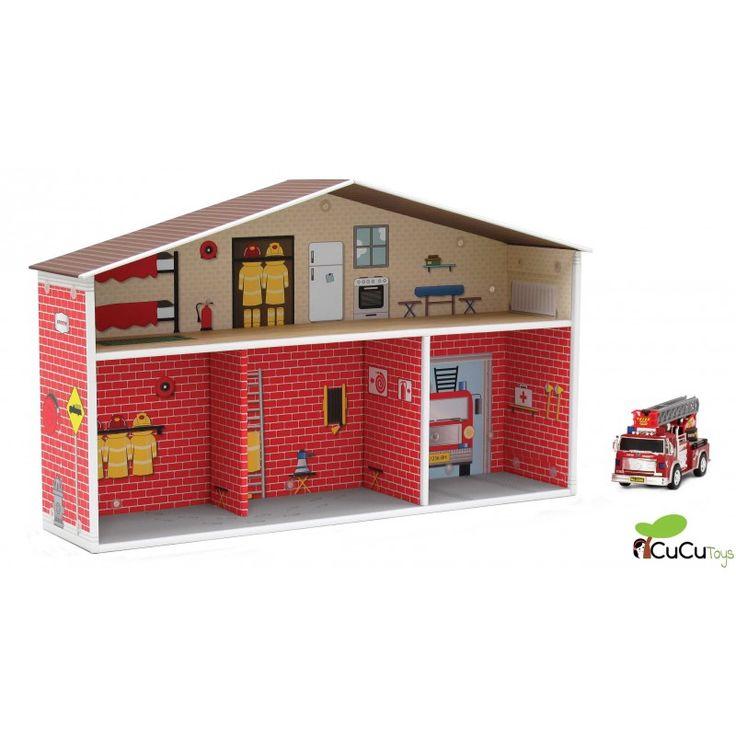 Los bomberos de esta estación de bomberos de cartón reciclable y reciclado se han marchado: ¡están haciéndose un calendario!