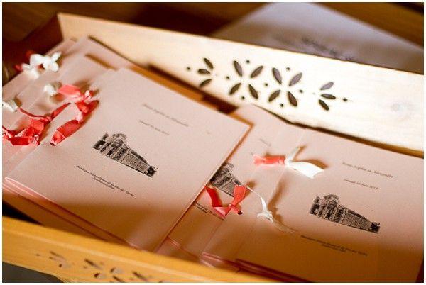DIY wedding orders of service  | Image by Modaliza Photographe