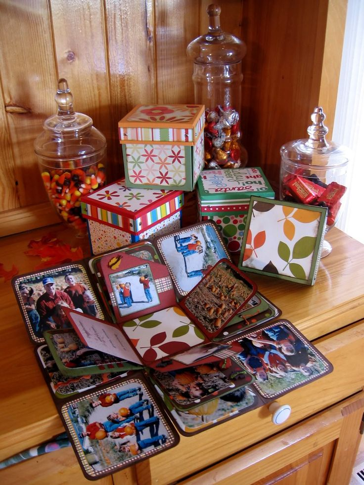 Exploding Picture box - cute way to keep all the christmas cards you get - make a box each year!