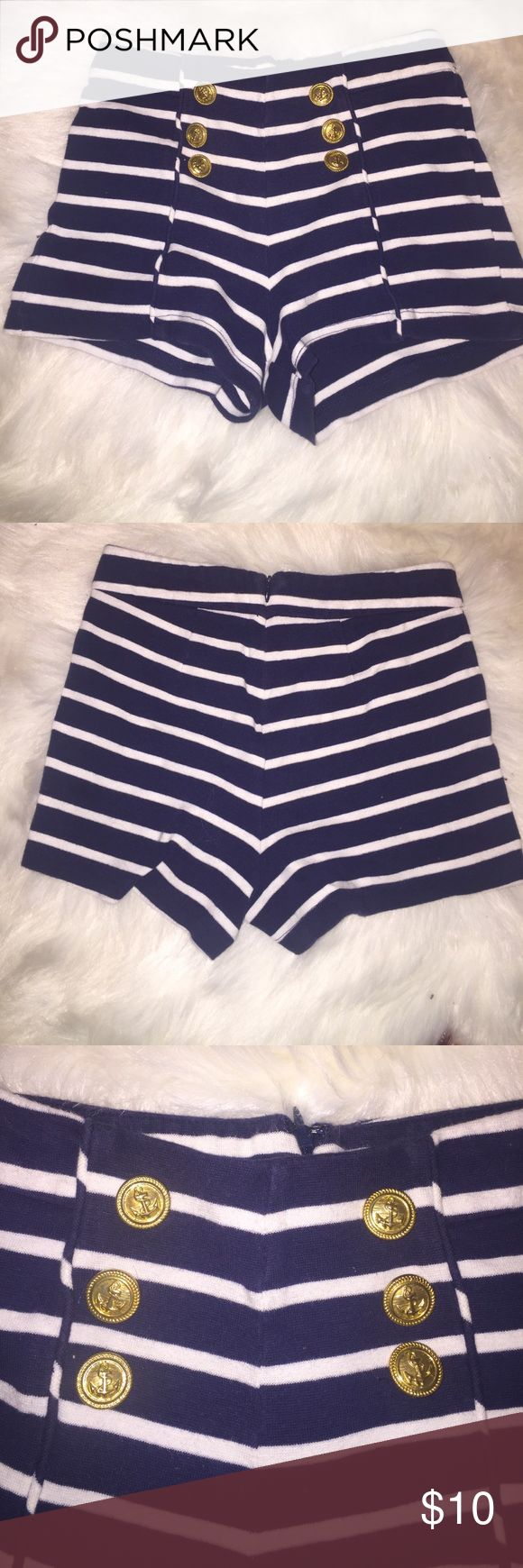 Cute sailer shorts Very good condition if you don't like the price we can do a offer Forever 21 Shorts Skorts