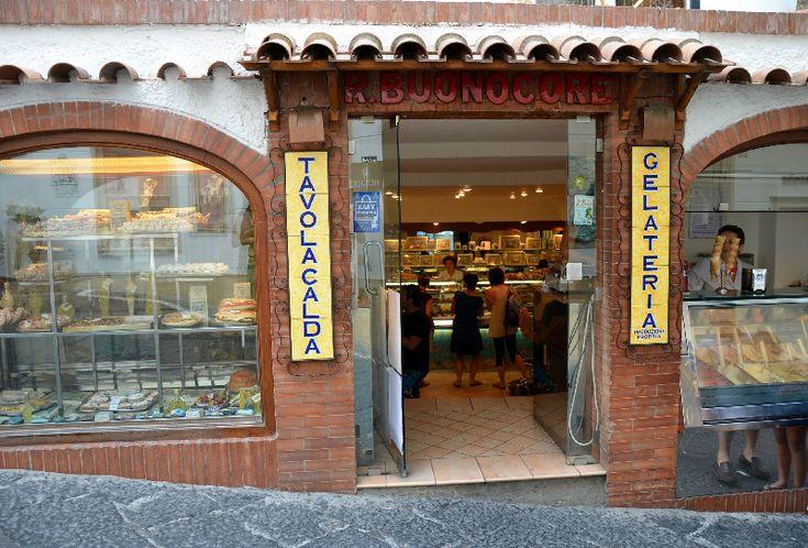 Gelateria Buonocore - Il gelato migliore di Capri. Da provare i gusti babà e Caprilù
