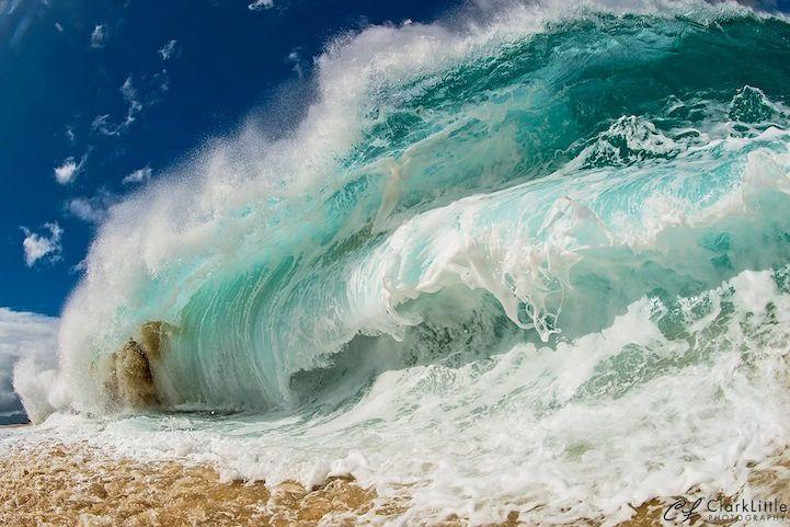 Interview: Crashing Ocean Waves Frozen in Stunning Moments Captured by Clark Little - My Modern Met