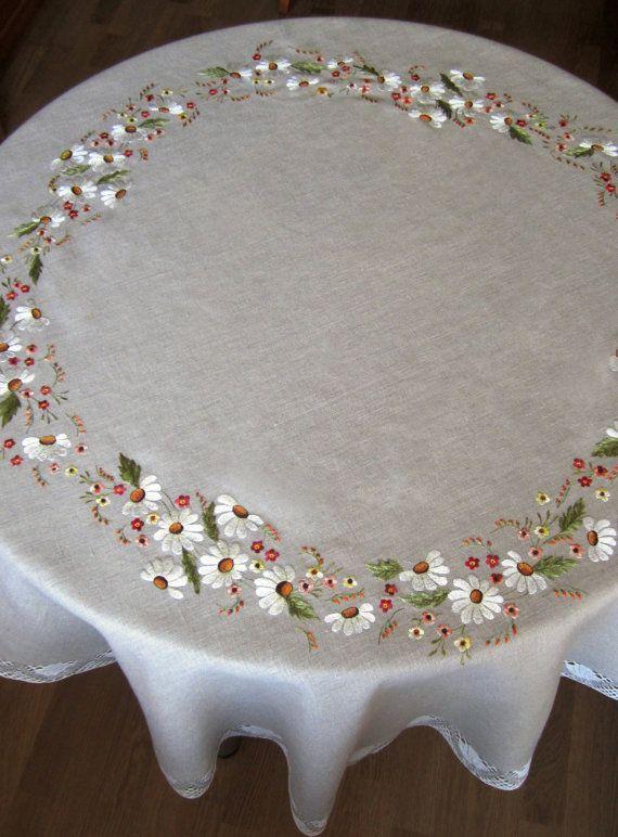 Круглая льняная скатерть диаметр 150 см кружева от BiserIna, €112.00