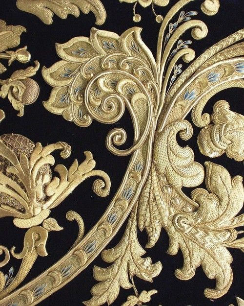 "❥‿↗⁀simply-beautiful-world mordmardok: "" Italian gold embroidery exibart.com """