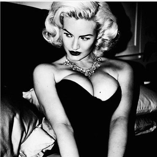 "2,415 Likes, 42 Comments - Gia Genevieve (@giagenevieve) on Instagram: ""#fbf to one of my favorite shoots with my girl @tatianagigi xoxo #diamonds #glamour #retro #curves…"""