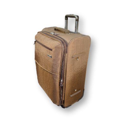 4-х колёсный, чемодан среднего размера. Практичный вариант для семейной пары, людей отправляющиеся в длительную командировку или путешествие (14 дней и более). В него поместятся не только вещи но и останется место под сувениры для близких и родных. #travel #luggage #Laptop