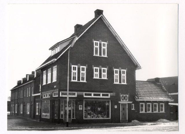 Ploegstraat, winkel van Pijnappel