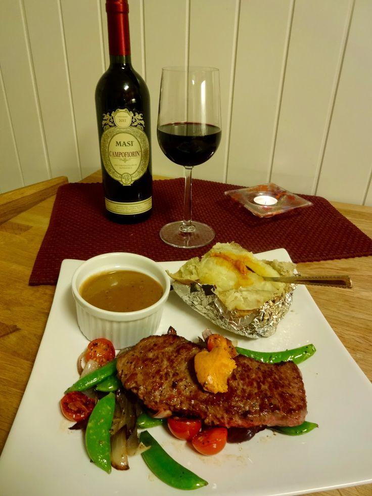 Edel's Mat & Vin : Pepperbiff med bakt potet, stekte grønnsaker & rosepeppersaus ✿