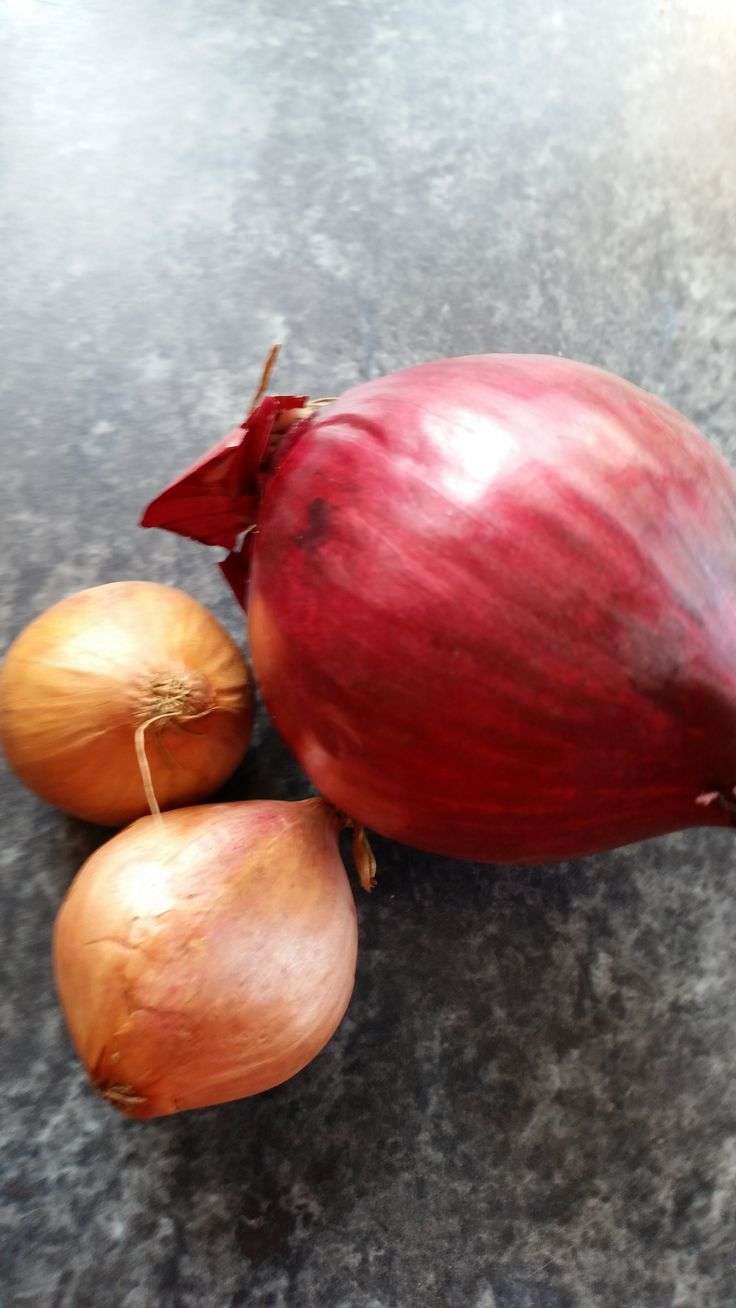 I love onions! In my omelettes, with my chicken, my beef, my pork... They are flavourful, and relatively low in calories.