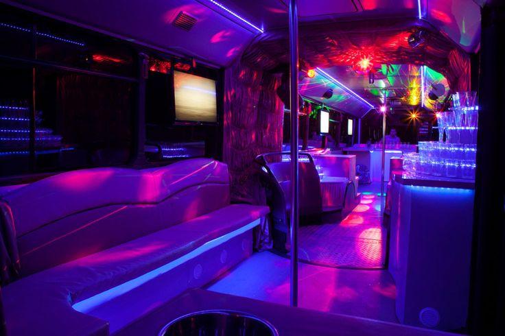 A násznép legexkluzívabb és legelegánsabb szállítója nem is lehet más, mint az Eveningstar Partybus! Béreljen partybuszt annak érdekében, hogy már az utazás is felejthetetlen része legyen az esküvőnek!