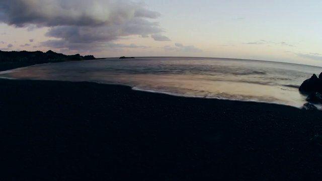 The thin blue line, La delgada línea azul on Vimeo. De Rafa Herrero Massieu