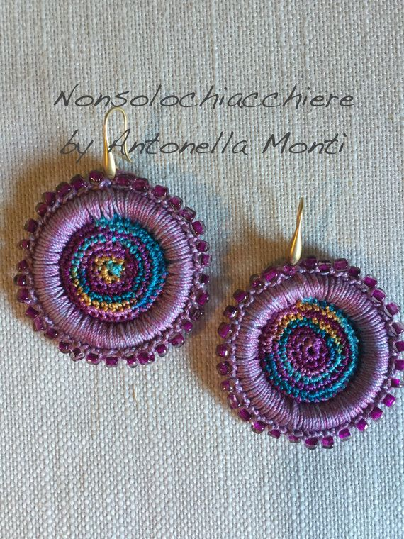 Hoop earrings crochet/ beads / Orecchini a cerchio all'uncinetto / Perline