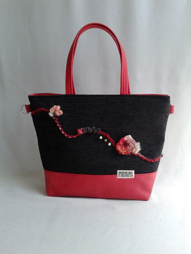 Piros, fekete Base-bag női táska. Az alja táskamerevítővel van megerősítve, önmagában is megáll, nagyon jó tartása van. #Elegáns nagy #táska.