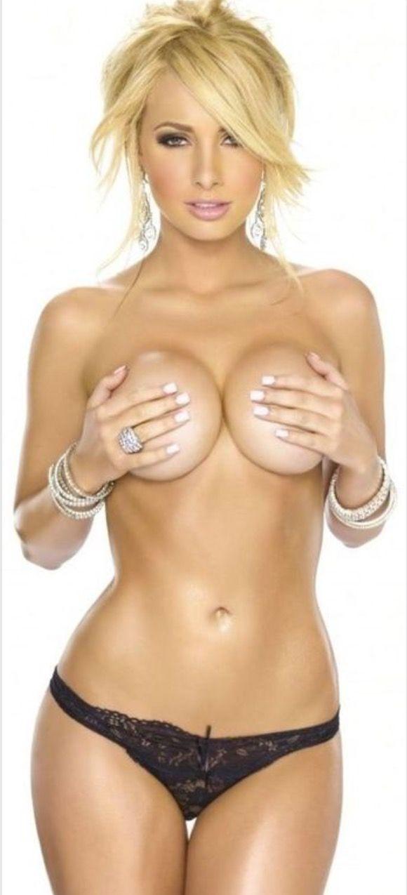 nude photos of amanda herrera