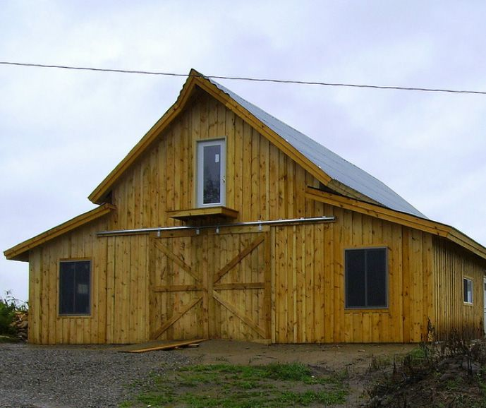 36 best barn images on pinterest pole barns horse for Pole barn with loft kits