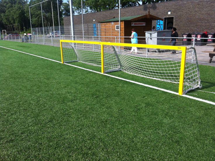 Onze 3 x 1m. voetbaldoeltjes model JVD140. DE ideale mini pupillen voetbaldoeltjes.
