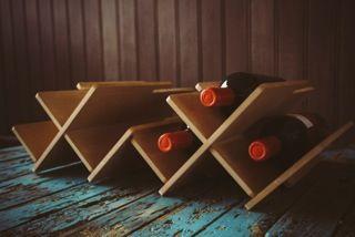 La prima scatola per vini che non si butta ma si trasforma in un'utile cantinetta per la conservazione del vino