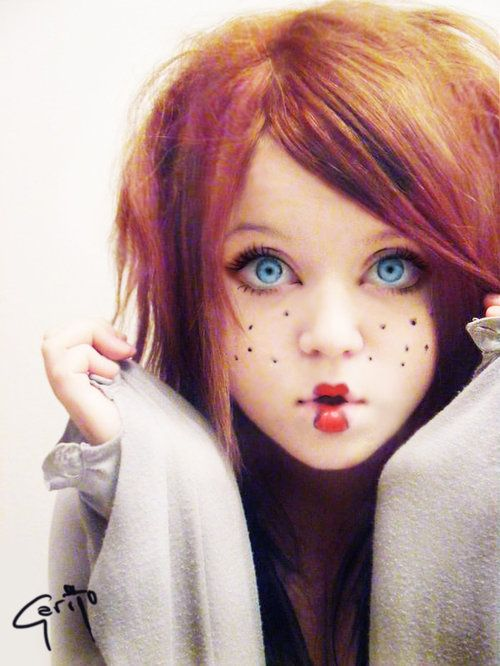 love her look... Halloween makeup.... but i would love to replicate the eyes all the time.