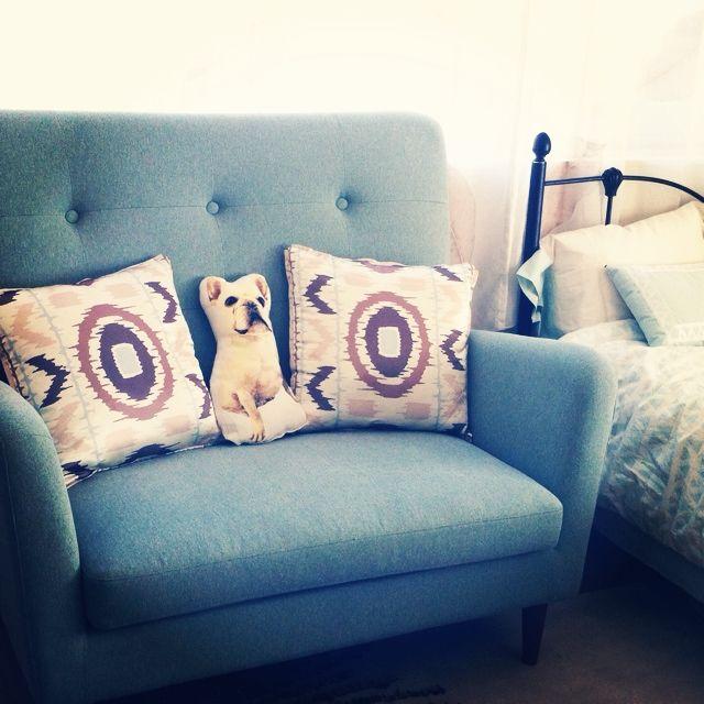 Mamiさんの、Safavieh,Urban Outfitters,ソファ,ラブソファ,フランフラン,ソファ ブルーグリーン,クッションカバー,Franc Franc,Livingroom,フレンチブル,Fashion cushion,Tufted sofa,リビング,のお部屋写真