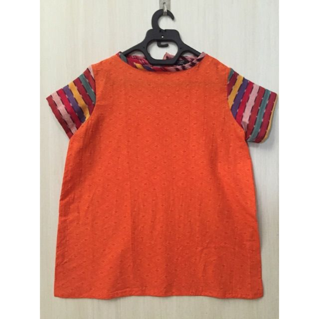 Saya menjual Atasan/blouse batik embos Mix tenun ikat seharga Rp. 98.000. Dapatkan produk ini hanya di Shopee! https://shopee.co.id/imanggoethnic/72271408 #ShopeeID
